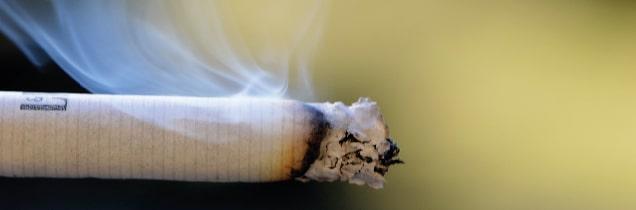 Il modo facile di smettere di fumare alla donna di video