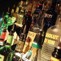 perchè alcool causa tumori